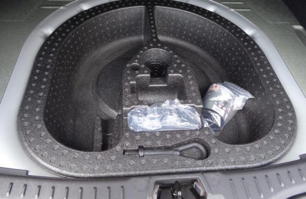 Ford Focus 2.0TDCi Titanium NAVIGACE VYHŘ.SKLO, nabídka A104/18
