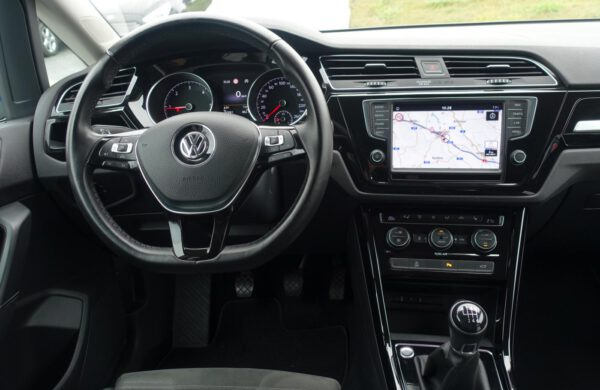 Volkswagen Touran 2.0 TDi Highline LED,int.dětské sed, nabídka A235/20