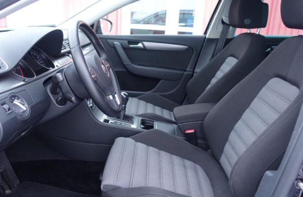 Volkswagen Passat 2.0 TDi 130 kW Highline BI-XENONY, nabídka A247/18