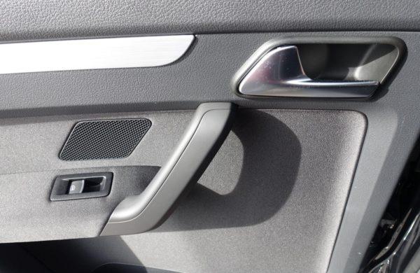 Volkswagen Touran 2.0 TDi DSG Cup NAVI, PARK.ASISTENT, nabídka A37/19