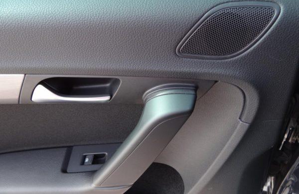Volkswagen Passat 2.0 TDi BI-XENONY, PARK. KAMERA, nabídka A43/18