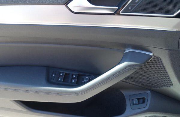 Volkswagen Passat 2.0 TDi Highline Bi-xenony, nabídka A55/20